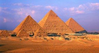 İhtişamıyla dimdik duran Mısır Piramitleri ve gizemlerini sizler için derledik. Buyrun, yazımızı okuyalım.