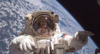 Uzun süreli uzay yolculukları astronotların gözlerinde çeşit çeşit tahribatlara yol açıyor. Yazımızda bu tahribatları inceledik. İyi okumalar.