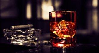 """Dünyanın en pahalı 10 viskisi karşınızda. Bu viskileri içebilmeniz için dünyanın """"zengin azınlığı"""" içerisinde olmanız gerekmekte :)"""